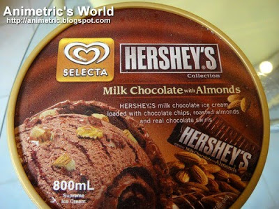 Hershey's Milk Chocolate with Almonds ice cream by Selecta