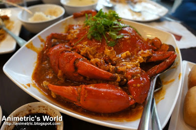 Chili Crab with Fried Mantou Bread at Wee Nam kee in Serendra