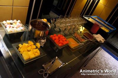 Sofitel Sunset Bar Buffet