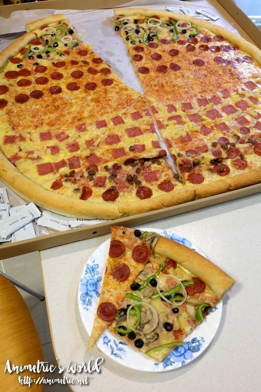 Big Guys Pizza Invasion